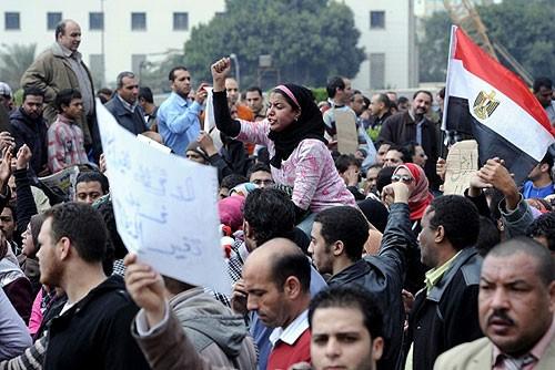 Egipto bloquea los mensajes instantáneos